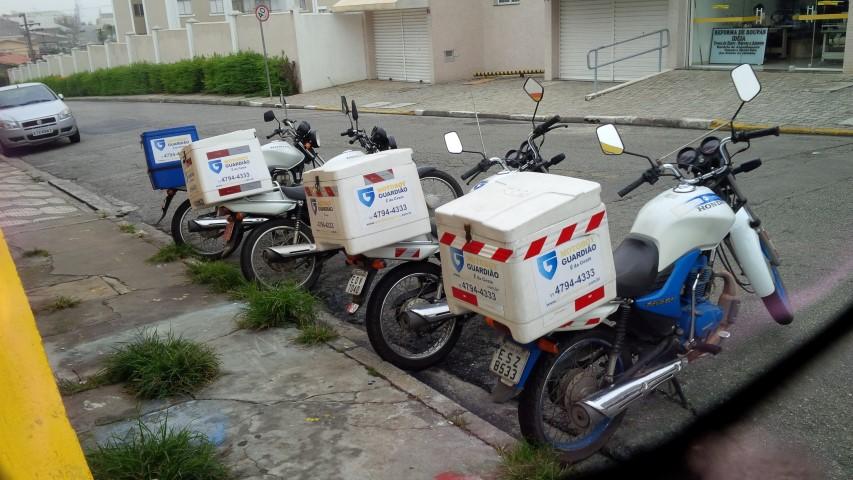 Foto motos com baú (Small)